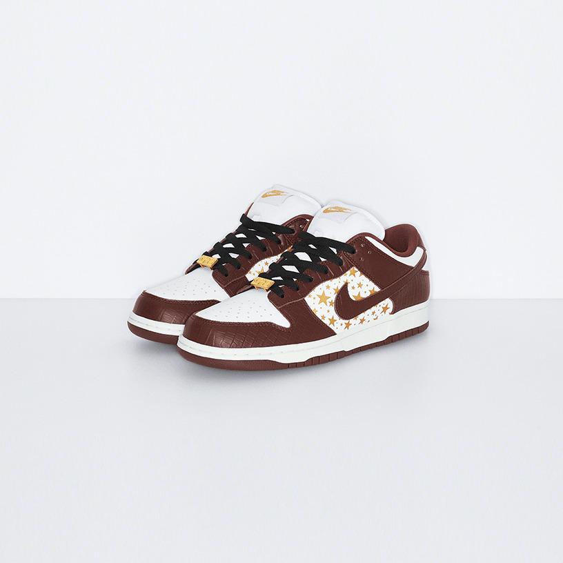 Supreme®/Nike SB Dunk Low