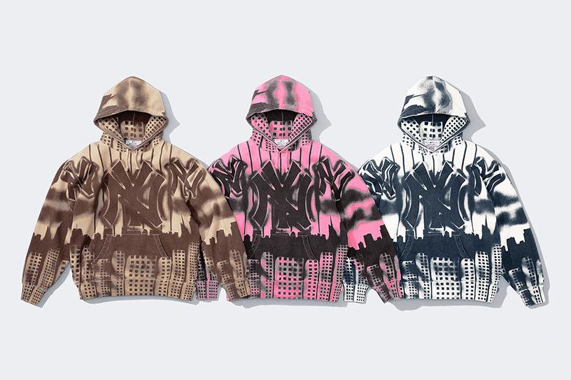 Supreme®/New York Yankees™ Airbrush Hooded Sweatshirt